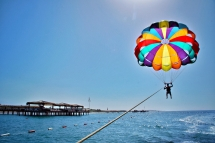paraseling-in-kish-island