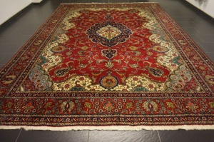 Iranian machine carpet