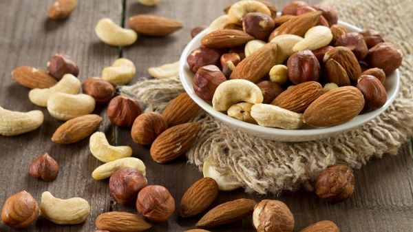 BENEFITS OF NUTS FOR HUMAN BODY