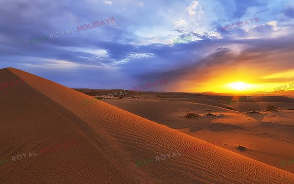 discover iran with Egypt Desert